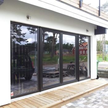 Iglo-5-Classic-tild-and-slide-doors-4